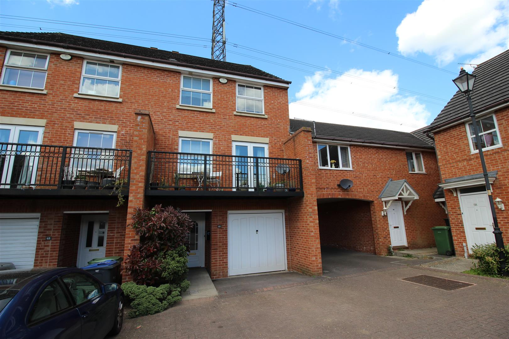4 Bedrooms Property for sale in Curlew Drive, Chippenham